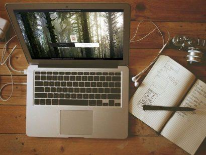 Schuster Innenausbau aus Salach – Ansicht Schreibtisch Schuster