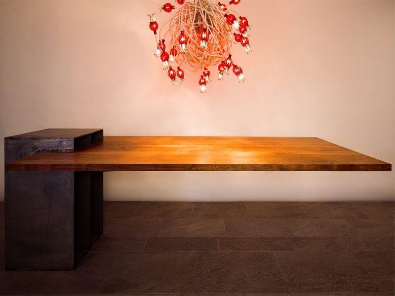 Schuster Innenausbau aus Salach – Esszimmertisch aus Holz