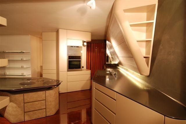 Schuster Innenausbau aus Salach – Exklusiver Innenausbau in Stuttgart Küche
