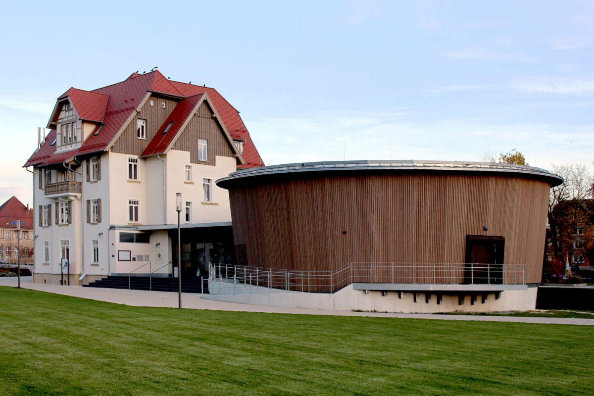 Schuster Innenausbau aus Salach – Holzverkleidung Außenbereich