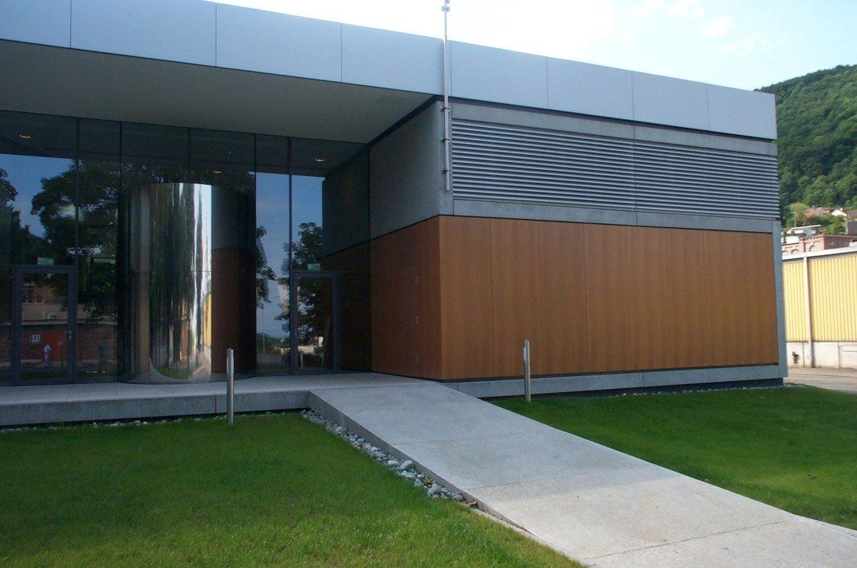 Schuster Innenausbau aus Salach – Innenausbau Büro in Geislingen Außenfassade