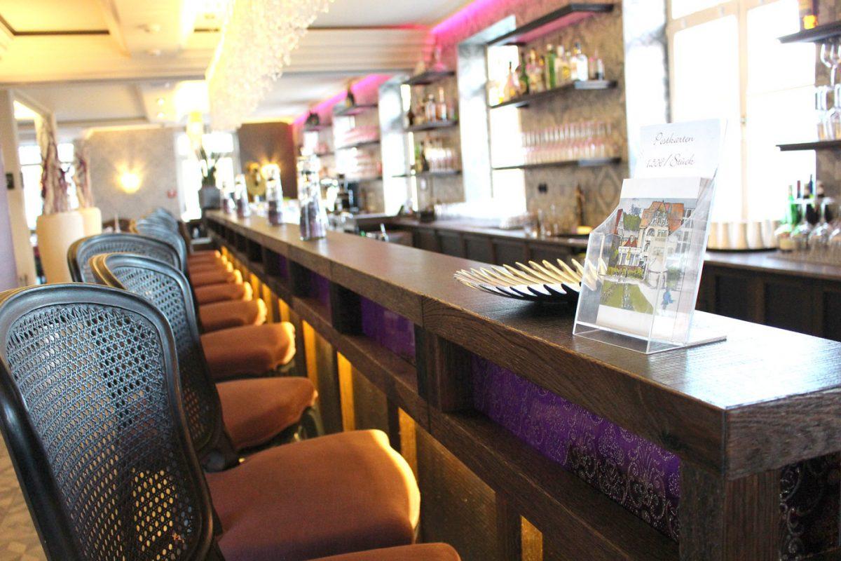 Schuster Innenausbau aus Salach – Innenausbau Restaurant Theke