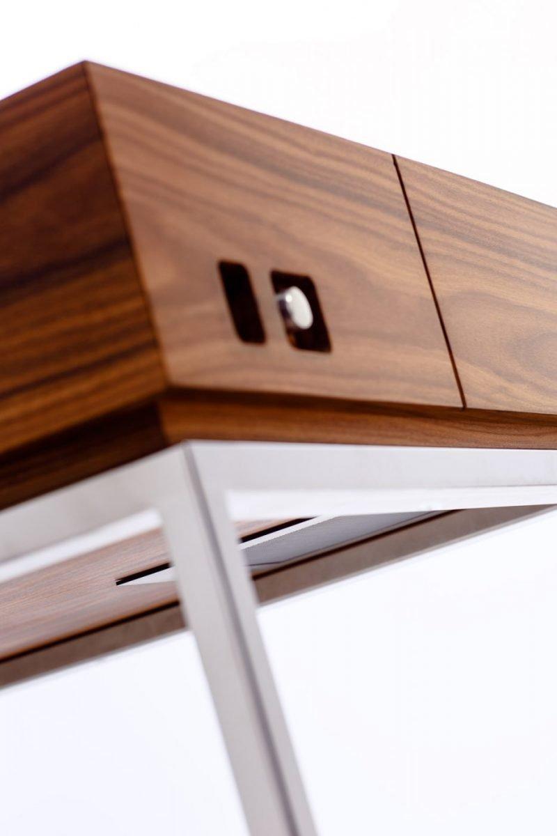 Schuster Innenausbau aus Salach – Musikmöbel Detail integrierte Lautsprecher