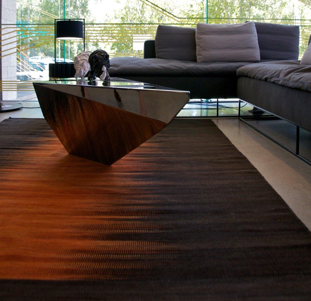 Schuster Innenausbau aus Salach – Viron Beistelltisch exklusives Design
