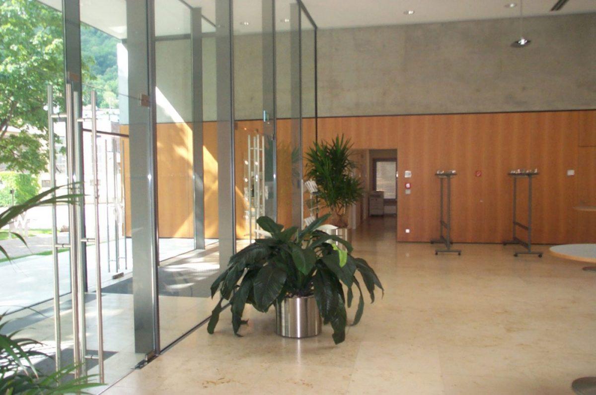 Schuster Innenausbau aus Salach – Innenausbau Büro in Geislingen Schreinerei