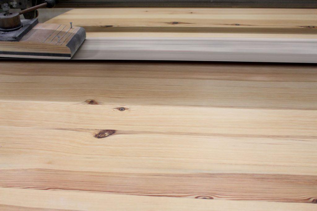 aufbereiten und behandeln einer esstisch massivholzplatte oberflaechenbehandlung