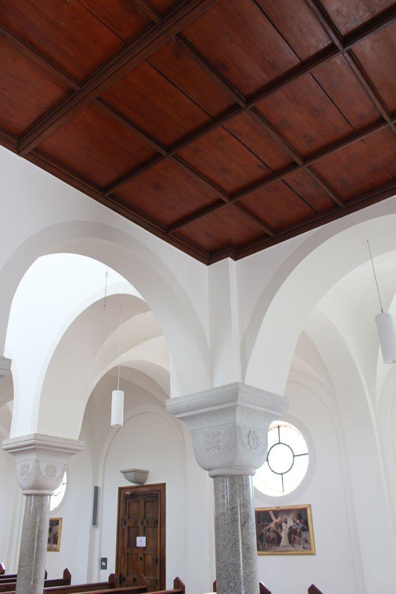 Schuster Innenausbau aus Salach – Restauration der Katholischen Kirche St. Margaretha in Salach Kasettendecke