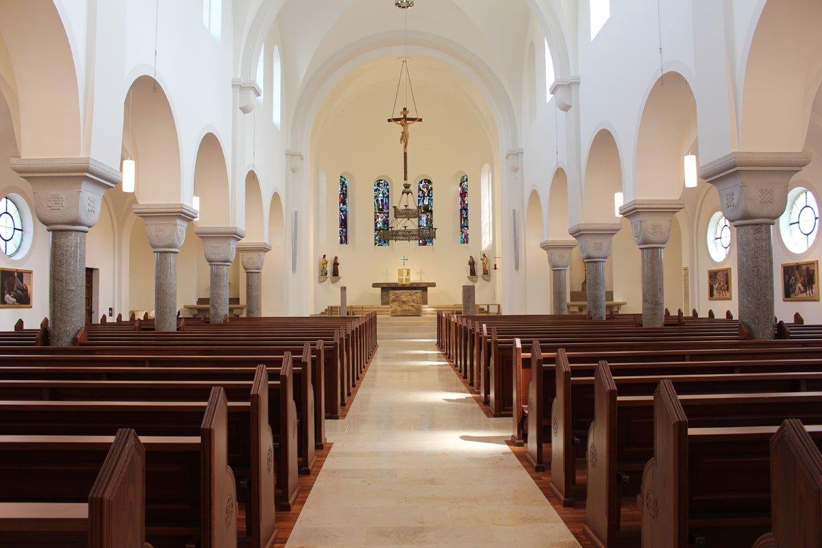 Schuster Innenausbau aus Salach – Restauration der Katholischen Kirche St. Margaretha in Salach