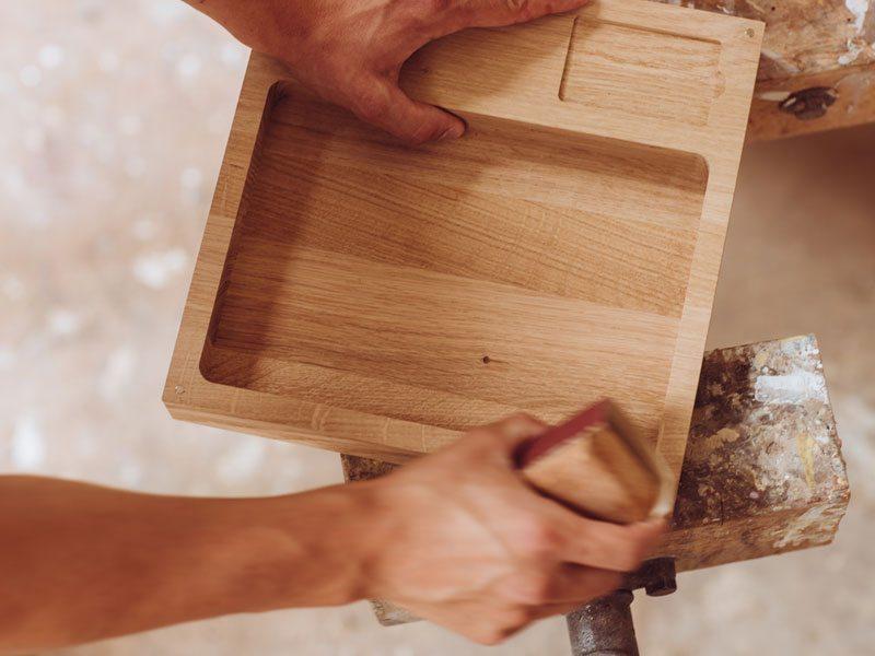 Schuster Innenausbau aus Salach – Individuelle Fotobox aus Massivholz Eiche Massivholz Schreinerei