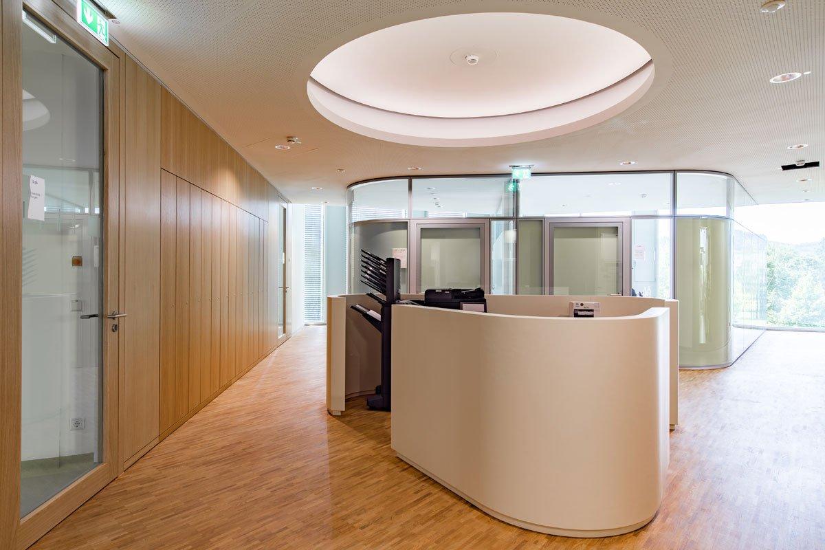 Schuster Innenausbau aus Salach – Innenausbau Laborgebäude in Bad Boll Druckerbar