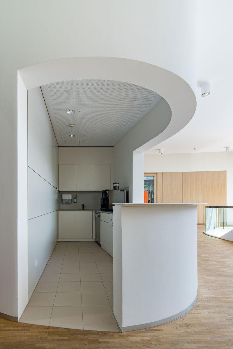 Schuster Innenausbau aus Salach – Innenausbau Laborgebäude in Bad Boll Teeküche