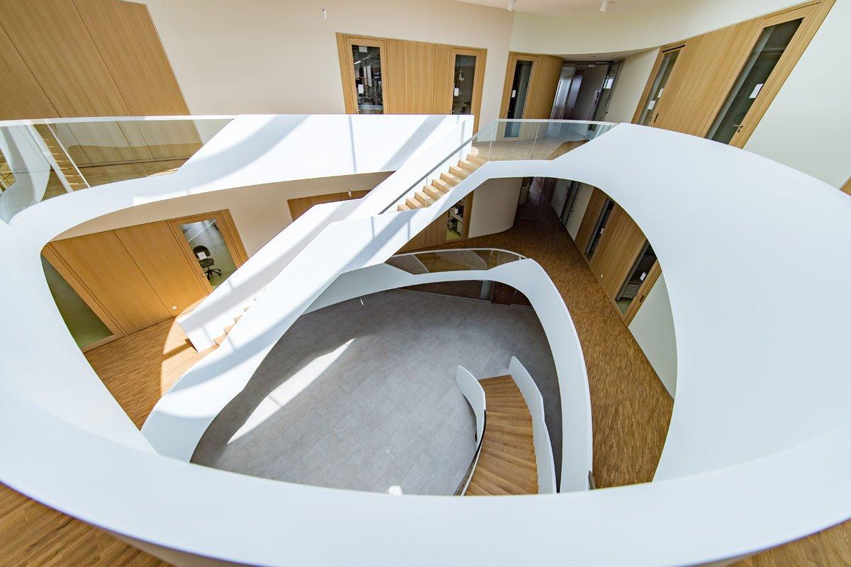 Schuster Innenausbau aus Salach – Innenausbau Laborgebäude in Bad Boll Treppenauge 10