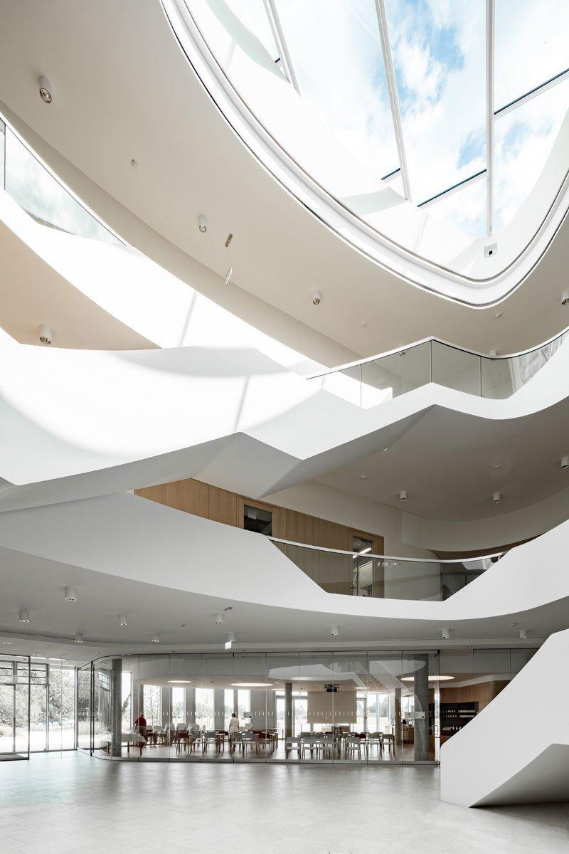 Schuster Innenausbau aus Salach – Innenausbau Laborgebäude in Bad Boll Treppenauge 3