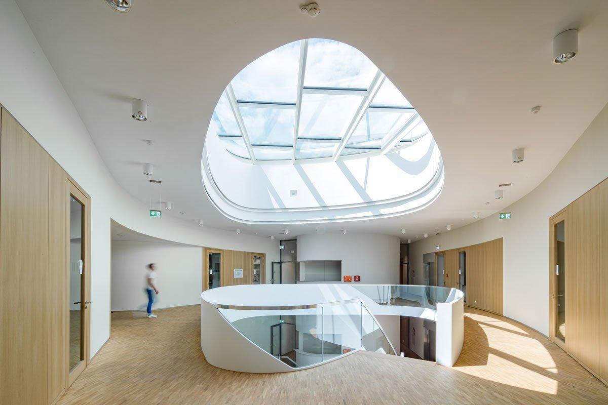 Schuster Innenausbau aus Salach – Innenausbau Laborgebäude in Bad Boll Treppenauge 9
