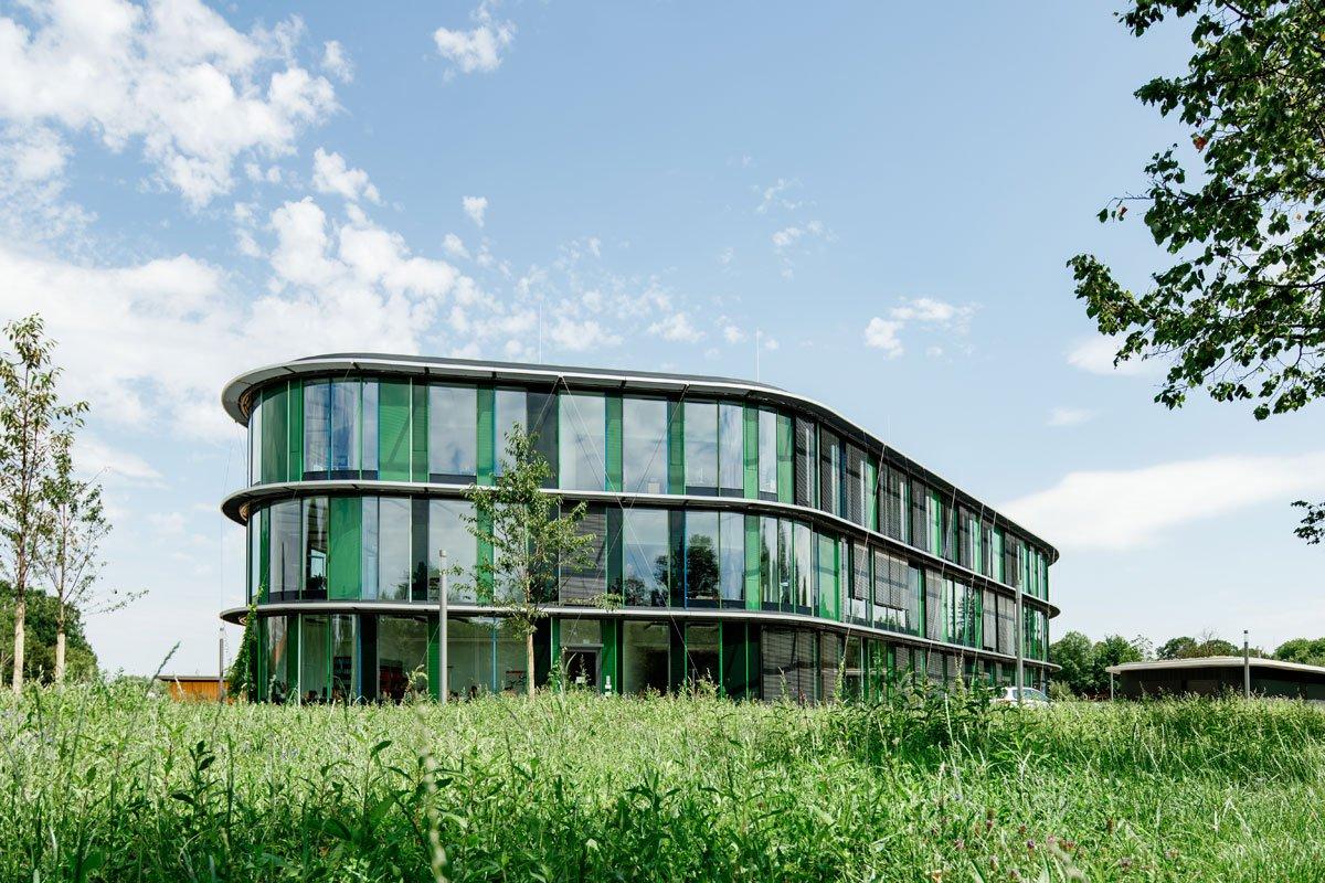 Schuster Innenausbau aus Salach – Innenausbau Laborgebäude in Bad Boll