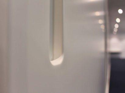 Schuster Innenausbau aus Salach – Lackierter-Einbauschrank-mit-Schiebetüren-für-ein-Büro-in-Stuttgart-Detail4