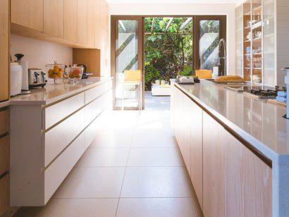 Schreinerei mit interior design meister des handwerks for Offene küche planen