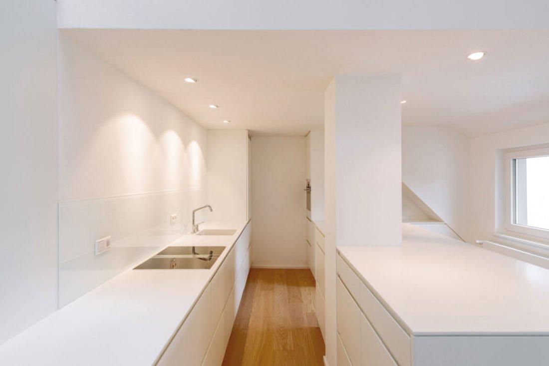 Schuster Innenausbau – Dunstabzug nach unten in der Einbauküche