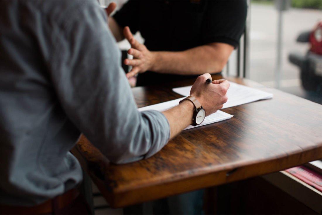 Am Anfang steht die Beratung Unser Team ausgebildeter Fachkräfte steht Ihnen mit Rat und Tat für Ihren Innenausbau zur Seite. Auf über 1400 qm bietet unsere Tischlerei genügend Raum, um Wohnträume wahr werden zu lassen. Wir sind die Experten für professionellen Möbelbau, und das seit mehr als 100 Jahren. Damit Ihre Inneneinrichtung auch wirklich Ihren persönlichen Vorstellungen entspricht, nehmen wir uns viel Zeit für eine intensive Möbelplanung. Eine maßgeschneiderte Inneneinrichtung entsteht mit einer perfekten Beratung. Wir sind für Sie da!