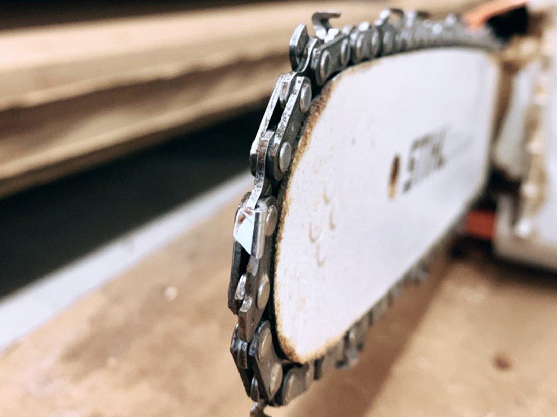 Schuster Innenausbau – Hochwertige Massivholztüren nach Sambia