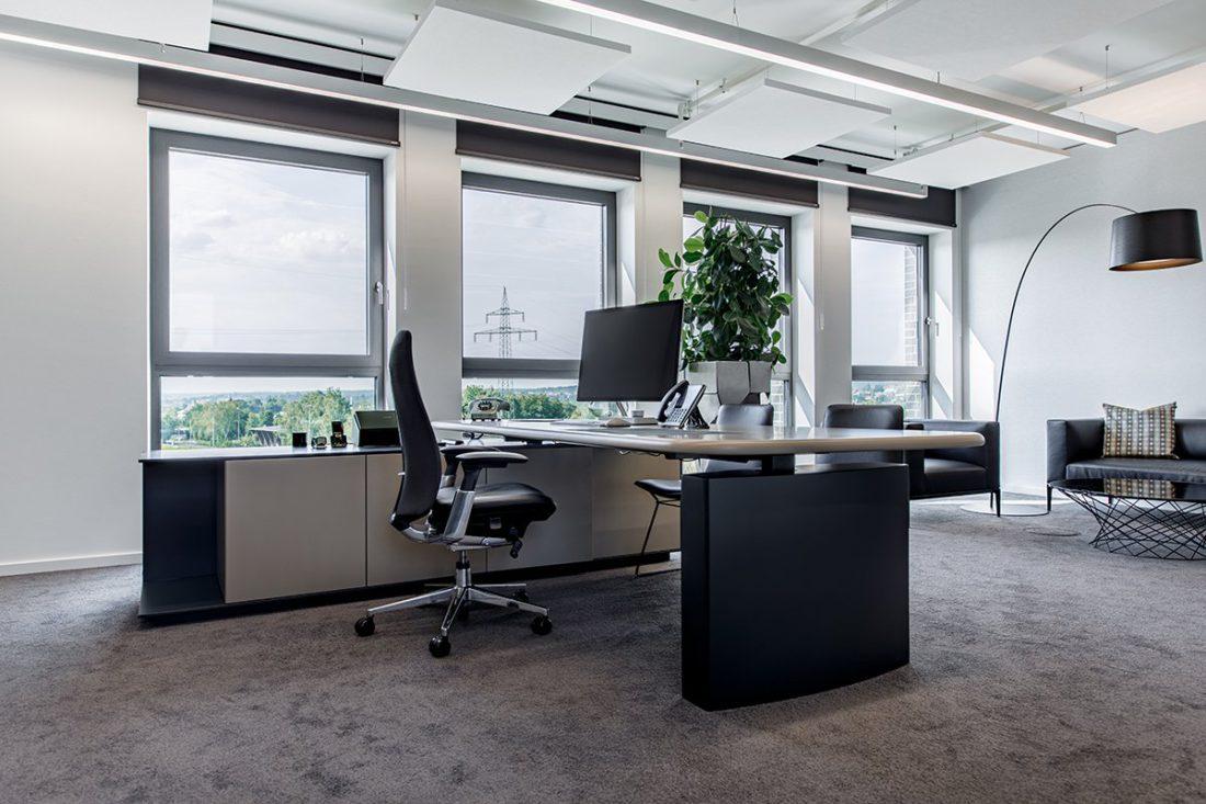 Schuster Innenausbau aus Salach – Bürogebäude mit Charme - Arbeitsplatz hochwertig