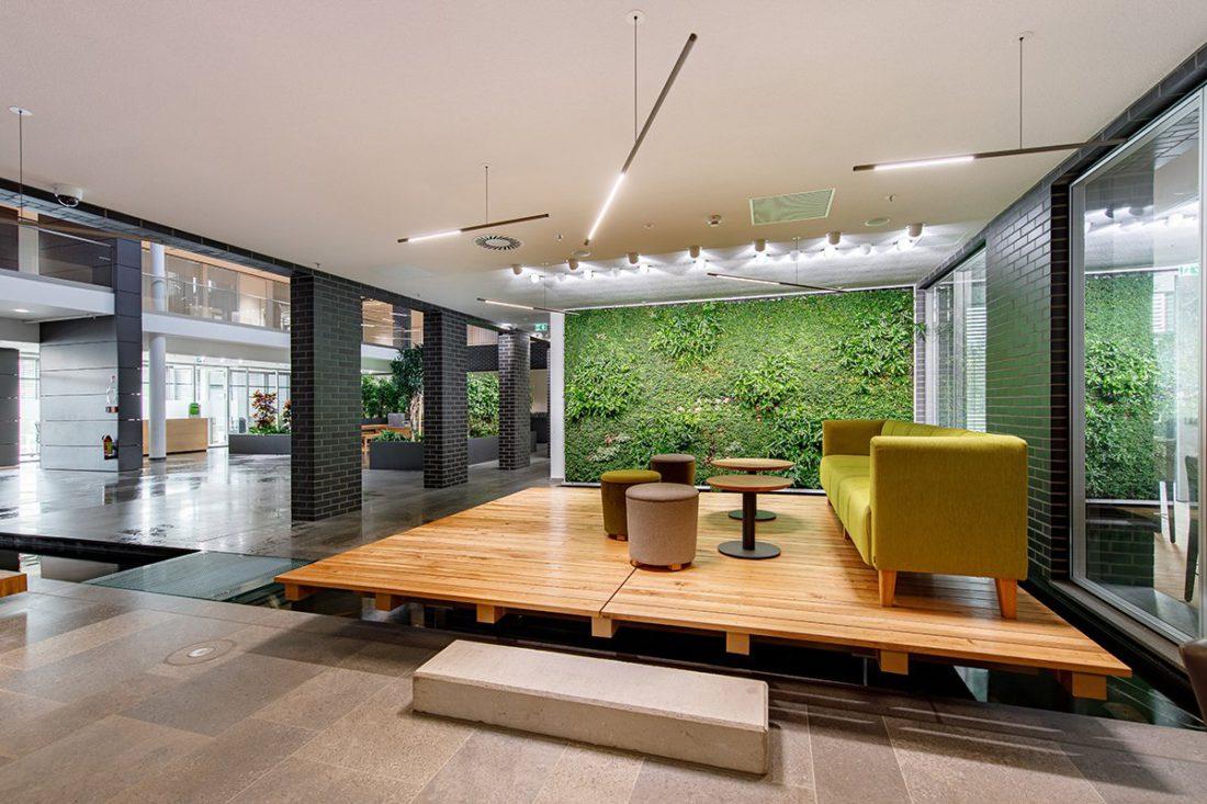 Schuster Innenausbau aus Salach – Bürogebäude mit Charme - Relax Area Wartebereich